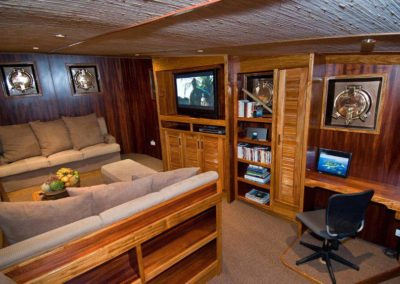 Interior M/Y Ocean Hunter III, Palau